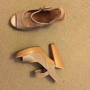 Tan chunky sandal